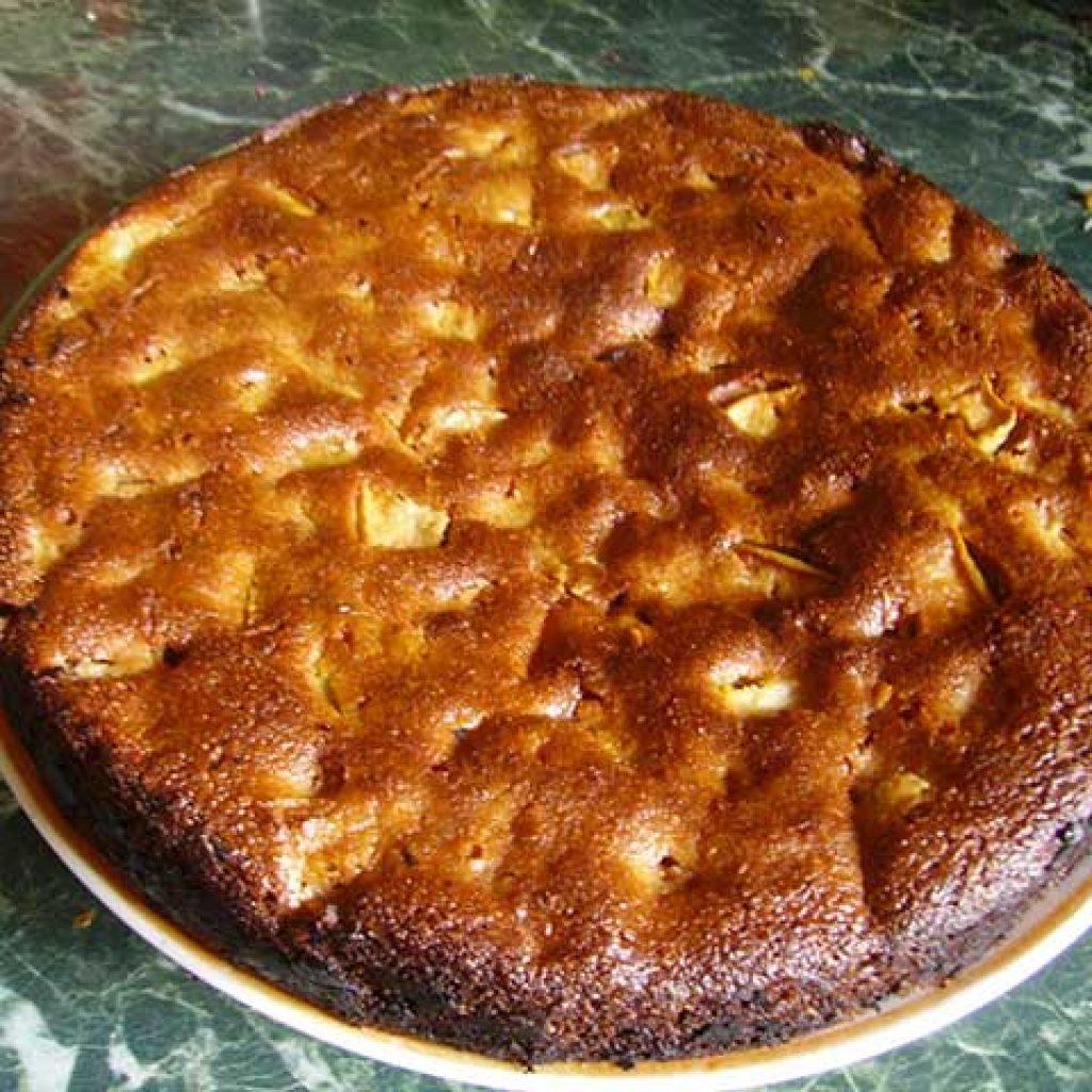 Простой рецепт шарлотки с яблоками пошагово с