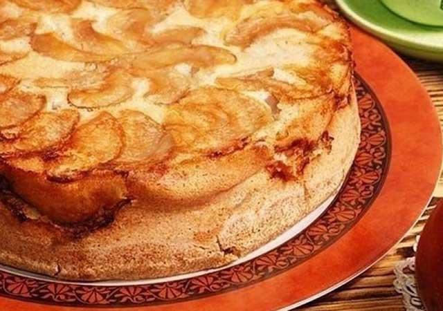 Шарлотка с яблоками рецепт из овсяной муки. Диетическая шарлотка