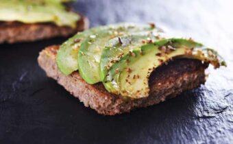 Бутерброды с авокадо утоляют голод надолго