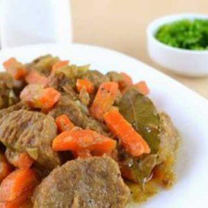 Говядина, тушеная с морковью и луком: лучшие рецепты