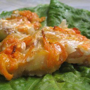 Тушеная диетическая рыба с овощами: готовим в мультиварке