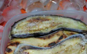 Как правильно заморозить баклажаны на зиму в обычной морозилке