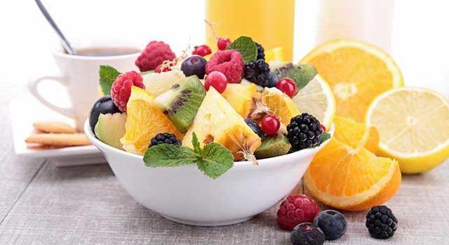 Диетический фруктовый салат для разнообразного питания