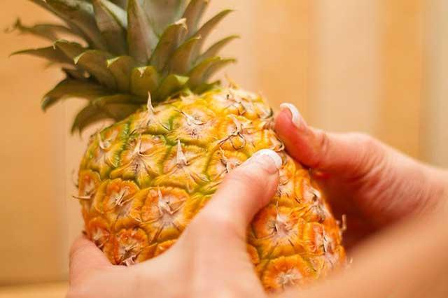 Как правильно порезать ананас
