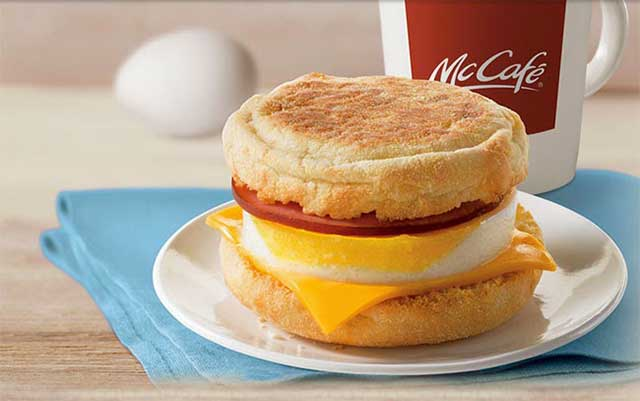 Завтрак фастфуд